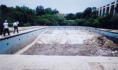 المسبح الاولمبي للنساء في أبين .. متى يعاد ترميمه؟