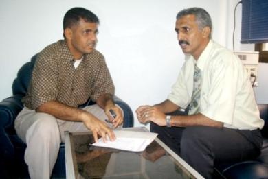 الاحمدي يروي ذكرياته في مكتبه للزميل خالد هيثم