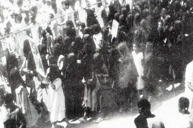 تلاميذ وطلبة غيل باوزير في تظاهرة تضامن مع المدرسة الوسطى
