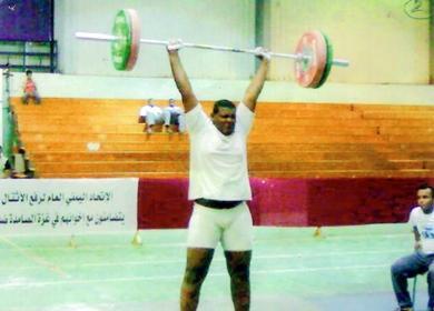 الرباع نبيل غالب درهم في رفعة ناجحة في إحدى مشاركاته