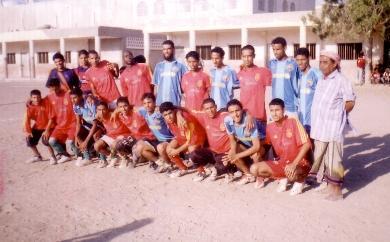 صورة مشتركة لبطل الدوري والوصيف