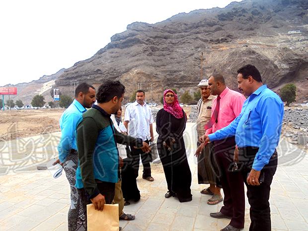 الزيارة التفقدية التي قام بها صباح أمس أمين عام المجلس المحلي عوض مبجر ومدير الأشغال العامة