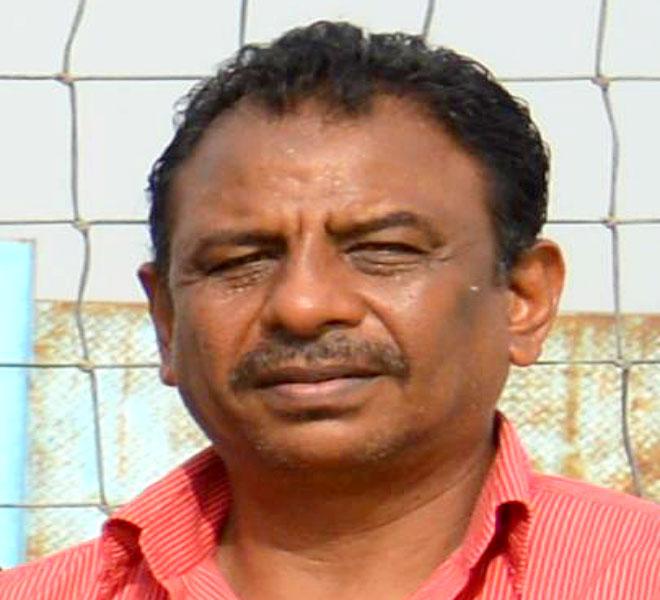 الكابتن جمال محمد عمر