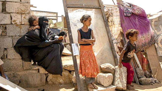 امرأة نزحت بسبب القتال من تعز الى عدن