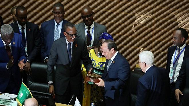 مصر تتسلم رسميا رئاسة الاتحاد الأفريقي لمدة عام