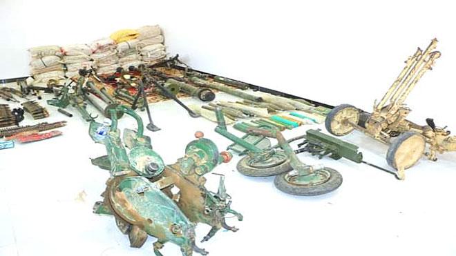 صورة من الأسلحة والمعدات الثقيلة