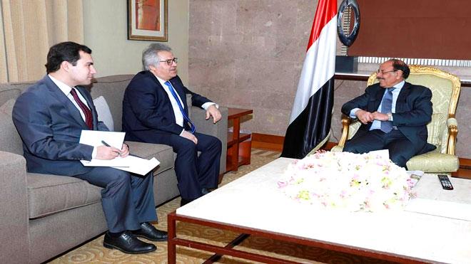 الأحمر يبحث مع سفير تركيا الوضع الأمني والسياسي باليمن