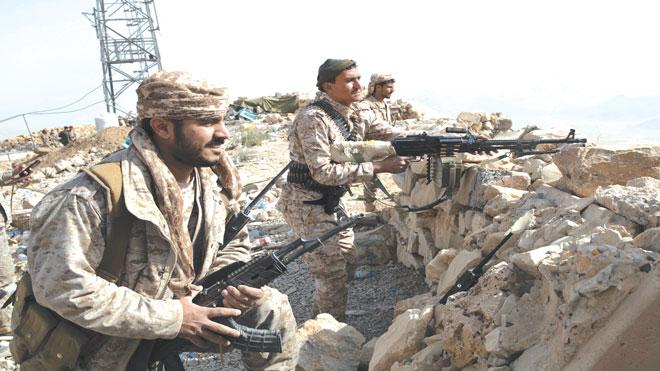 مقاتلون يمنيون في الصفوف الأمامية
