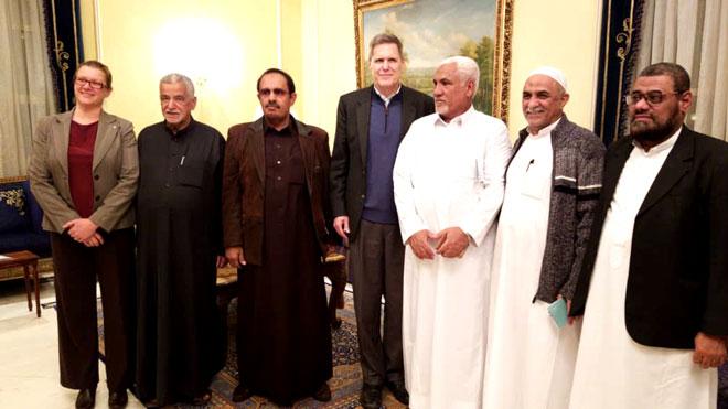 السفير الأمريكي يلتقي بكتلة حضرموت في الرياض
