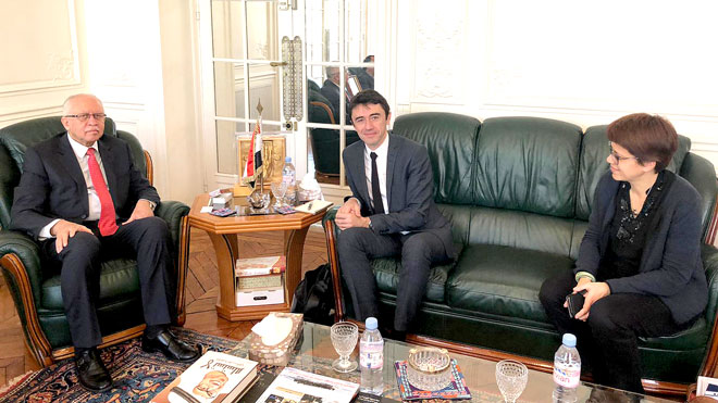 السفير رياض ياسين يلتقي سفير فرنسا للبيئة في باريس