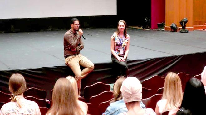 المخرج عمرو جمال أثناء نقاشه مع الجمهور