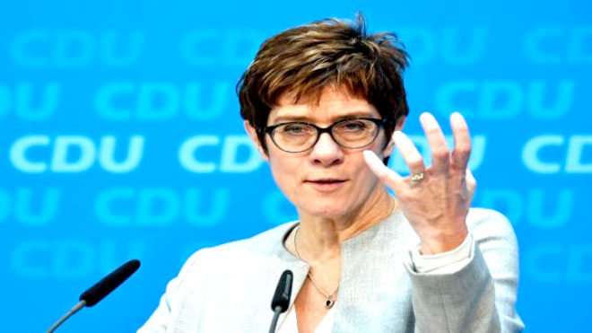 الزعيمة الجديدة لحزب الاتحاد الديمقراطي الحاكم أنغريت كرامب كارينباور