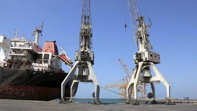 بريطانيا: على الحوثيين مغادرة ميناء الحديدة