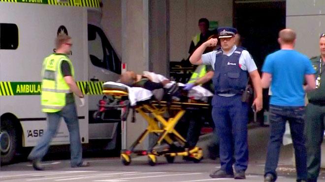 """الإمارات ترحّل رجلًا """"أشاد"""" بمذبحة نيوزيلندا"""