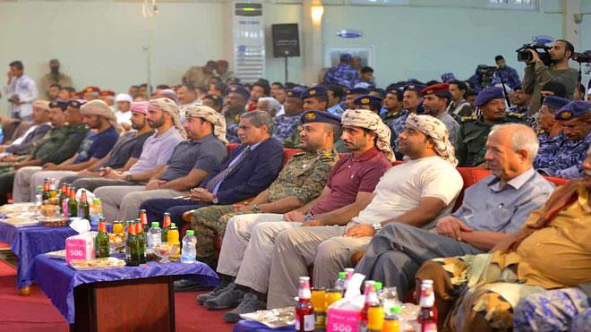 السلطة المحلية والأمنية بحضرموت تكرمان الفريق الأمني الإماراتي