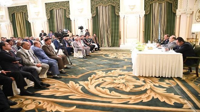 خلال اجتماع هادي بأعضاء مجلس النواب اليمني