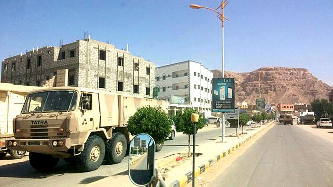 تصعيد الشرعية ضد الجنوب خدمة مجانية للحوثيين