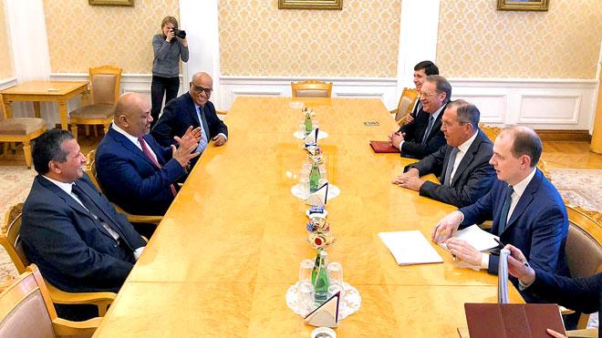 وزيرا الخارجية اليمني والروسي يبحثان دعم العلاقات الثنائية في اليمن