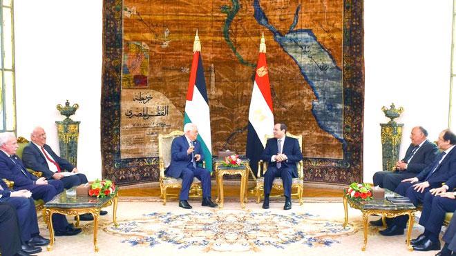 الرئيس المصري، عبد الفتاح السيسي، خلال لقاء عقده اليوم الأحد في القاهرة مع نظيره الفلسطيني، محمود عباس