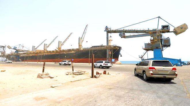 وصول موكب تابعة للأمم المتحدة إلى ميناء الصليف في محافظة البحر الأحمر الغربية