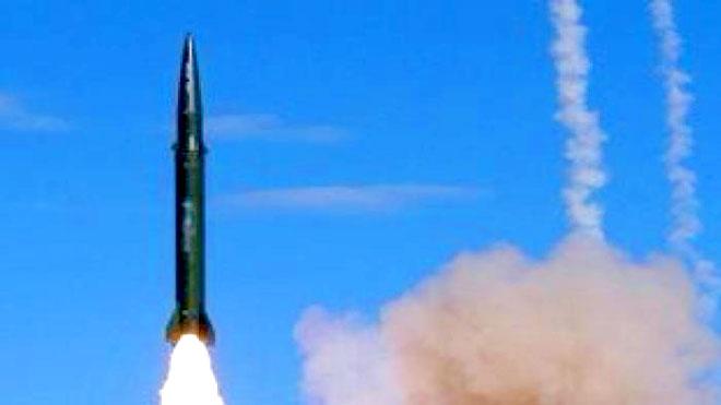 الحوثيون يستهدفون مكة وجدة بصاروخين بالستيين
