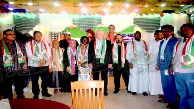 صورة للوفد الإعلامي مع الوفود المشاركة في الحفل