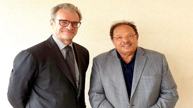 لقاء يجمع علي ناصر بالسفير الفرنسي لدى اليمن في بيروت