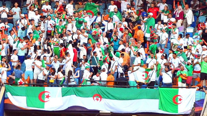 أمم إفريقيا 2019: إقبال جزائري للحصول على فرصة حضور النهائي