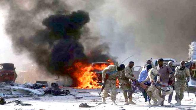 عاجل.. 17 قتيلا على الأقل و28 جريحا في تفجير بالصومال