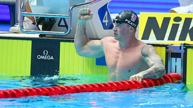 البريطاني بيتي يدخل تاريخ بطولة العالم للسباحة