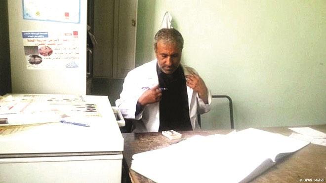 مسؤول مركز داء الكَلب في المستشفى الجمهوري في صنعاء، علي عبده هزاع