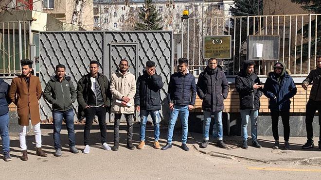 طلاب اليمن بروسيا.. بلا مستحقات مالية