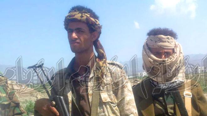 جندي في اللواء: الميليشيات تجبر المشايخ على تجنيد الأطفال
