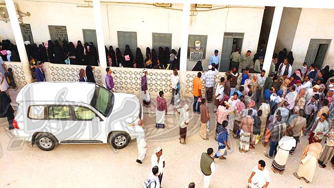الميسري يوقف إصدار الجوازات من فرع الهجرة بسيئون