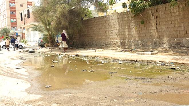 طفح المجاري  بحي عبدالعزيز