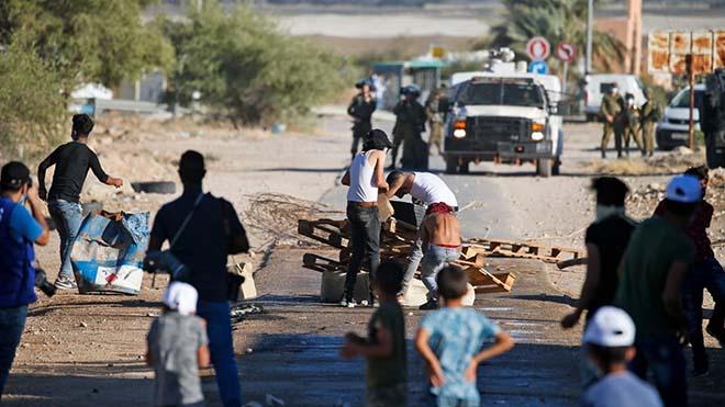 مواجهات جرت الاربعاء 24 يونيو الحالي بين فلسطينيين وقوات اسرائيلية في وادي الاردن ضد مخطط ضم الضفة copy