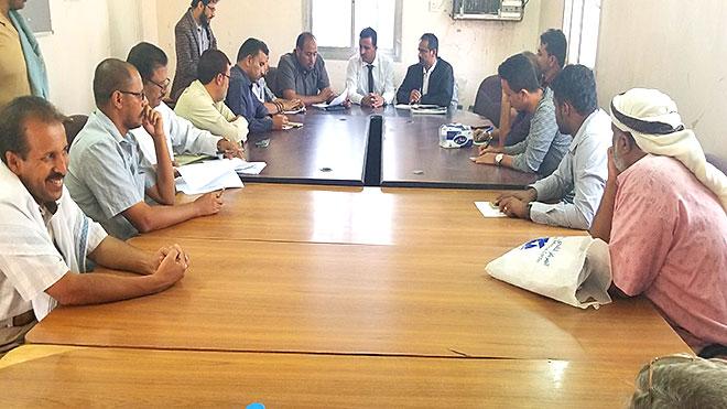 مدير صحة شبوة يتمكن من رفع إضراب مستشفى عتق