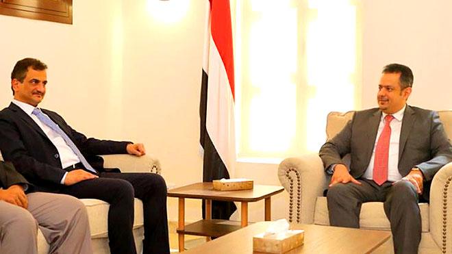الانتقالي: رئيس الوزراء ملزم بتنفيذ التزاماته بدعم محافظ عدن