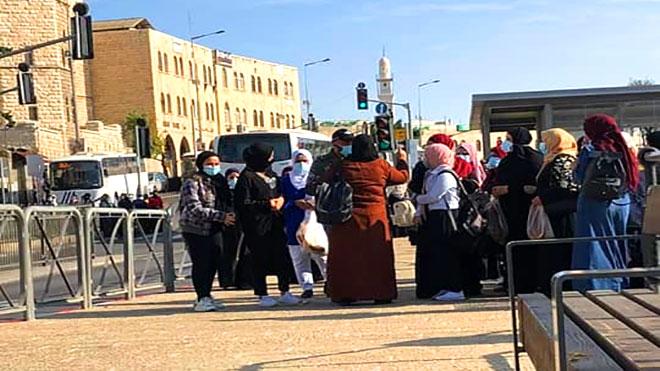قوات الاحتلال تعرقل وصول الفلسطينيين إلى المسجد الأقصى