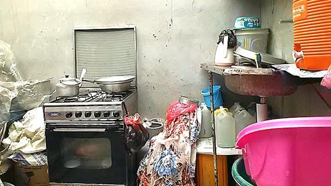 المطبخ دون سقف أو باب
