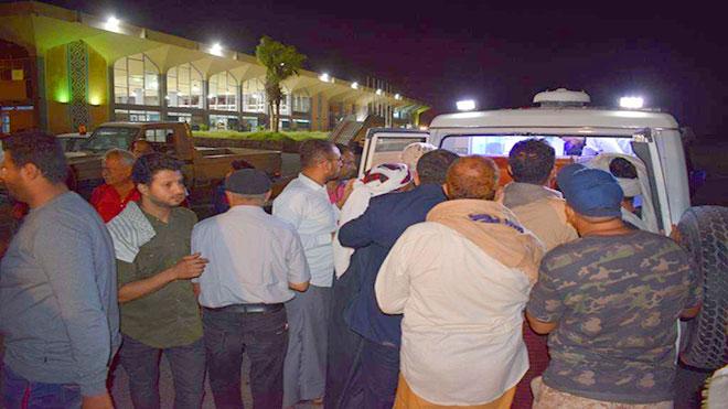 وصول جثماني ضحيتين للهجوم على مطار عدن وبتر قدم مصاب