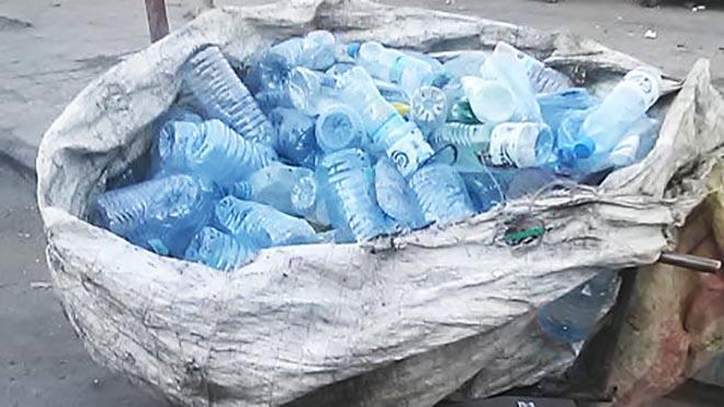 منتج يوم كامل من مخلفات القمامة