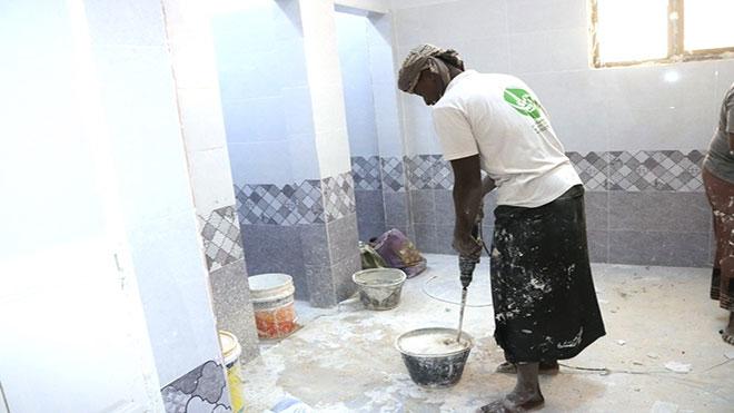 إنجاز 55 % من مشروع صيانة وترميم شبكة المياه بمستشفى سيئون