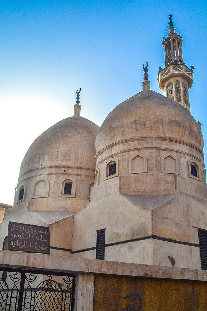 جامع ابن النفيس وضريحه في منطقة الرحمانية بمصر